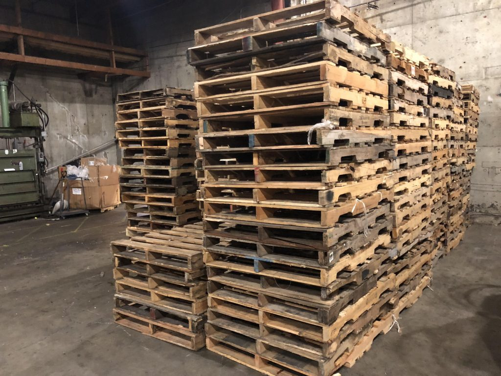 Pallets of re-usable quality (ongoing) - Repalletize